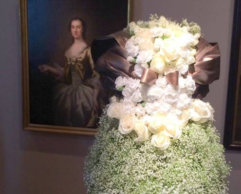 Flower arrangement that looks like a dress