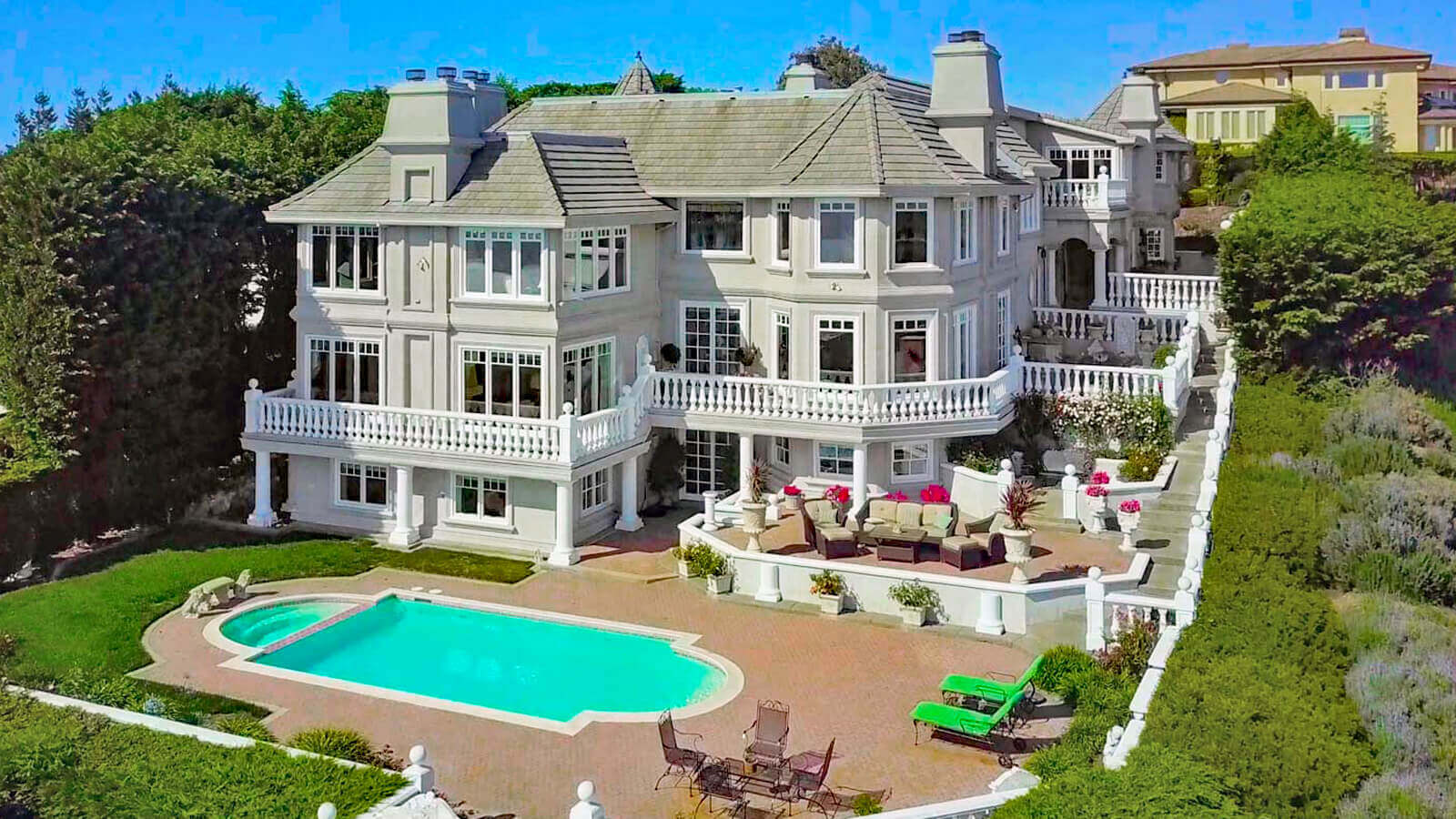 Aerial view of 190 Gilmartin Drive in Tiburon