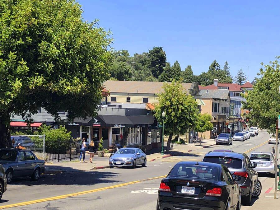 Magnolia Avenue Street Scene