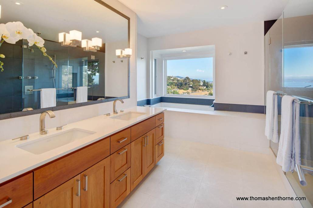 Dual Vanity with View Soaking Tub