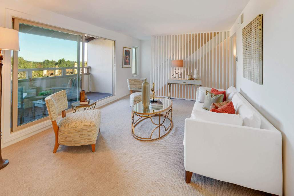 211 Danielle Drive San Rafael living room with view deck