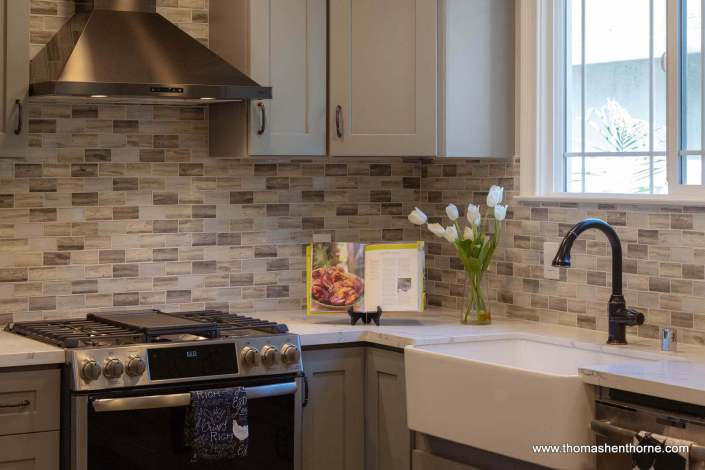 Farmhouse Sink and Stainless Appliances