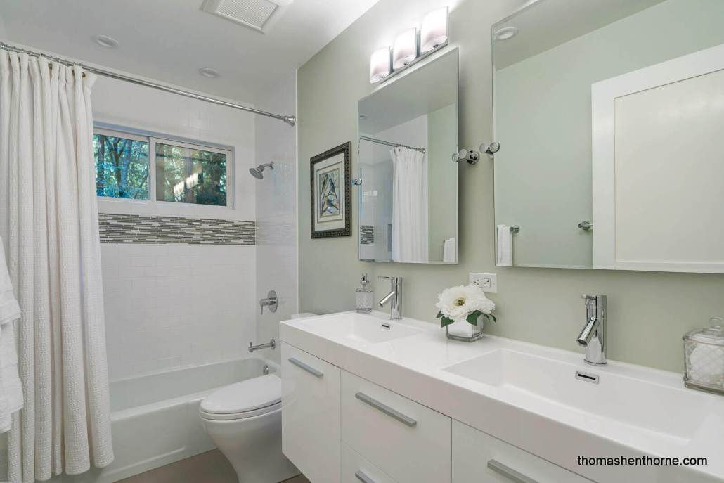 Bathroom with two sink