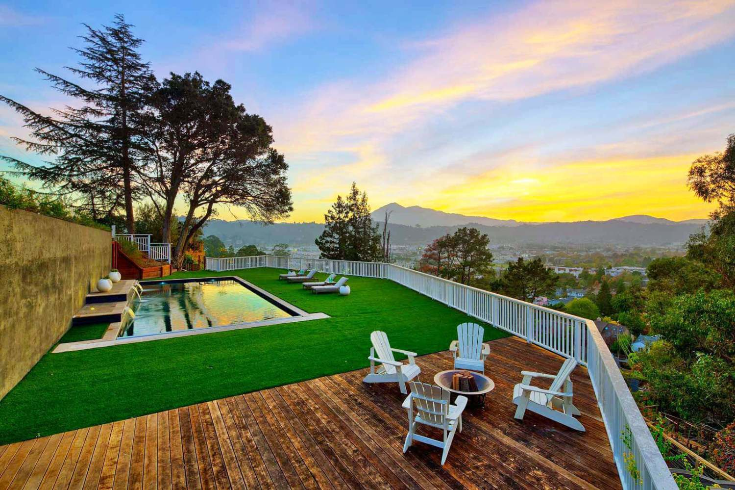 35 West Seaview Avenue San Rafael Pool and Mt. Tamalpais