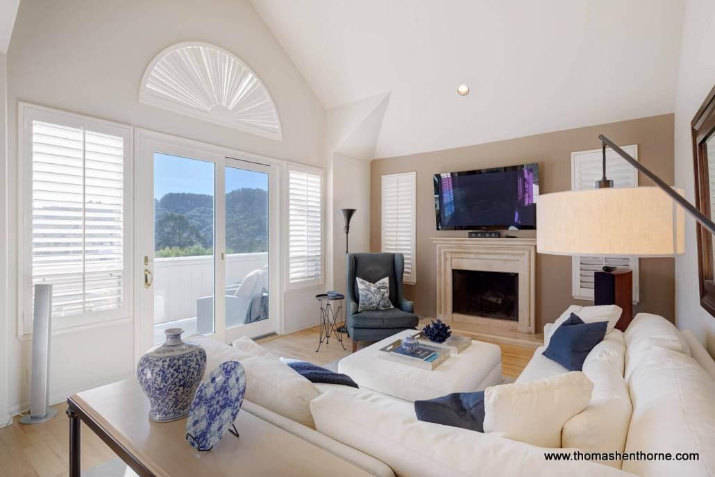 922 Ventura Way Mill Valley living room