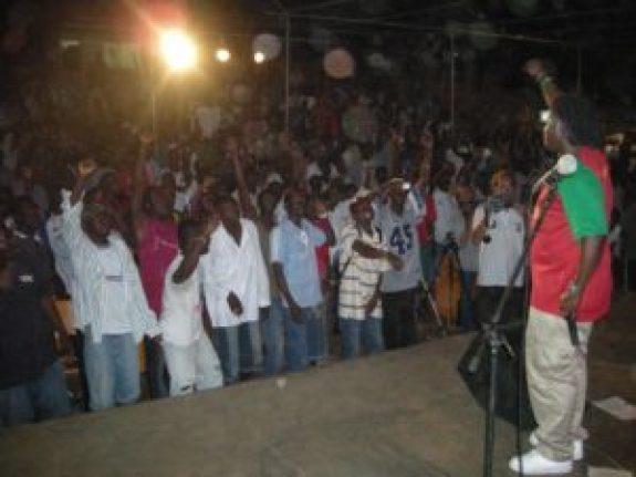Didier Awadi en concert à Ouagadougou en octobre 2007