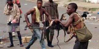 Des enfants armés au Libéria