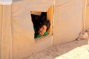 Mädchen in ihrem Zelt in Zaatari © Tom Rübenach