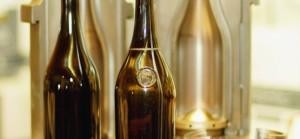 Des flacons historiques ont servi de modèle à la bouteille Arte Vitis.