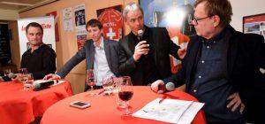 Débat public à Sierre, le 12 mars, de g. à dr., le viticulteur Eric Germanier, l'encaveur Frédéric Rouvinez, Yvan Aymon, rapporteur de Viti 2020, et Pierre Thomas. (photo Sabien Papilloud, site Internet Le Nouvelliste)