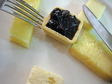 [cheese & confiture]