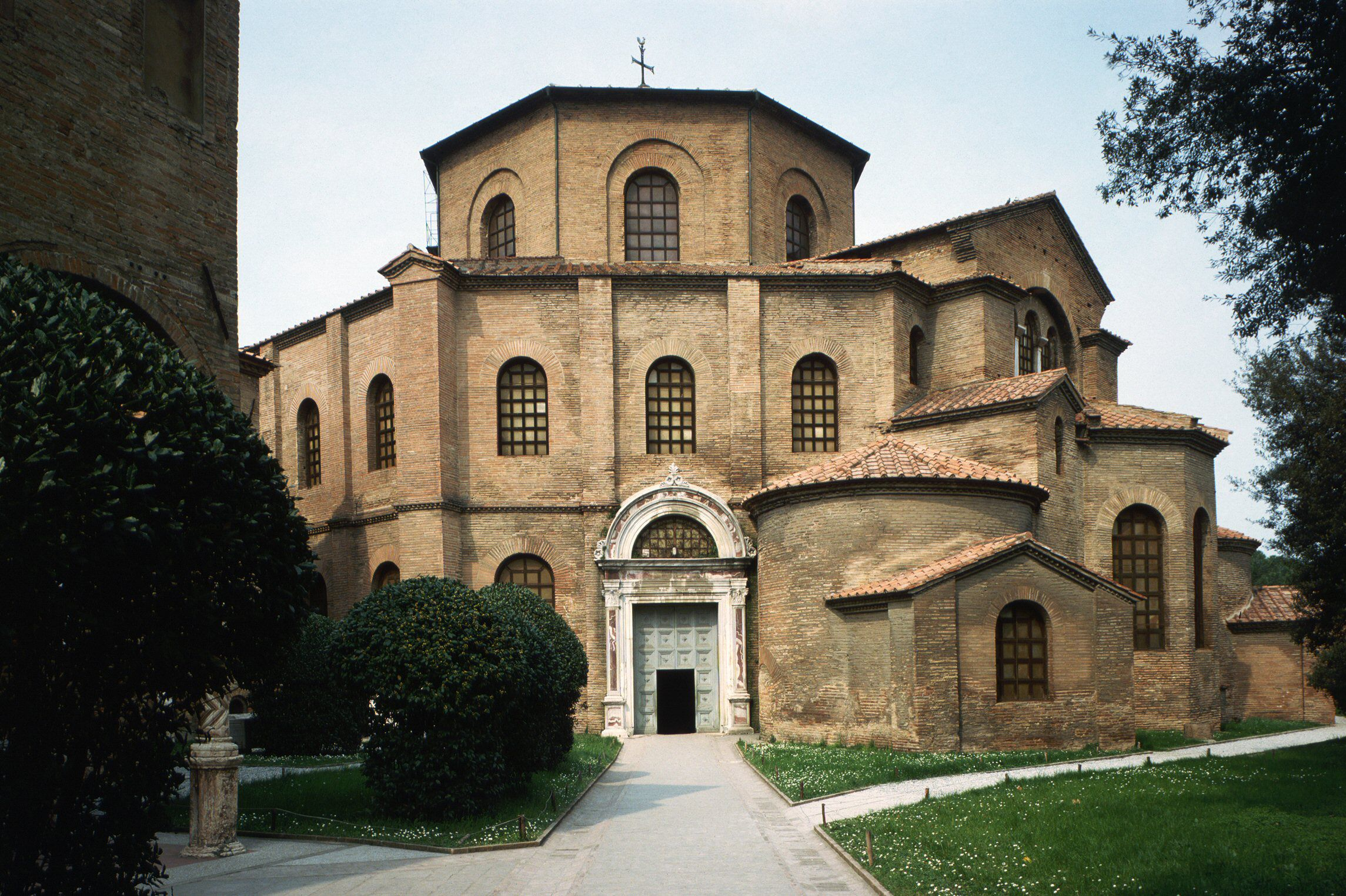 About Byzantine Architecture And The Rise Of Christianity