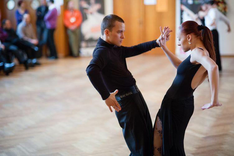 12 Types of Ballroom Dances