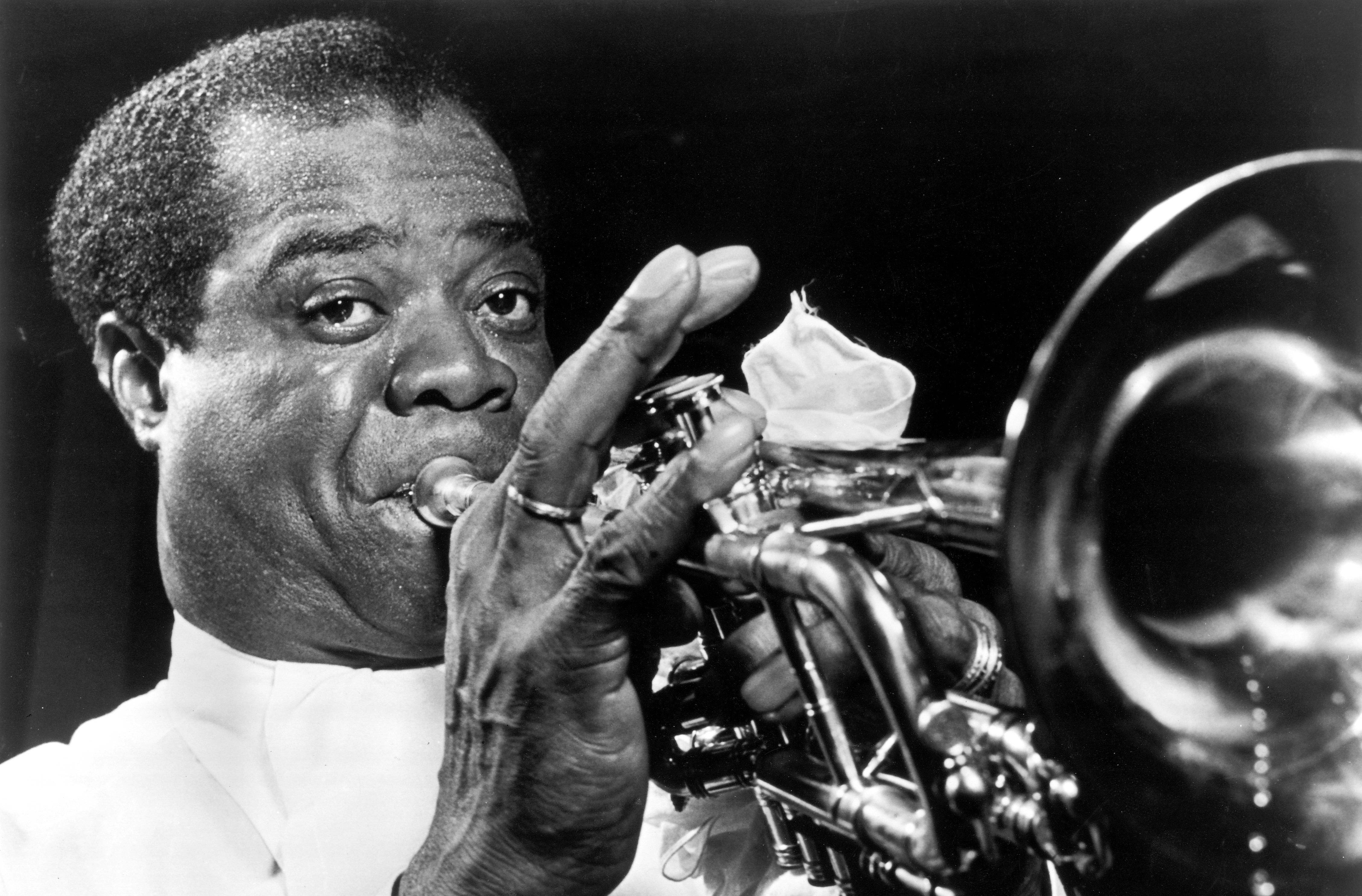 Biography Of Louis Armstrong Masterful Trumpeter