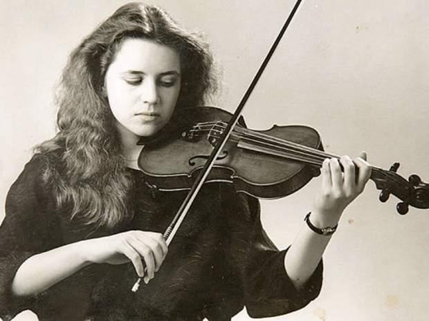 violinist_rosemary_3568989b