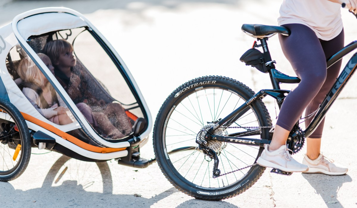 BIKING WITH KIDS | CHOOSING A TRAILER | THOUGHTS BY BRANDI.COM-2