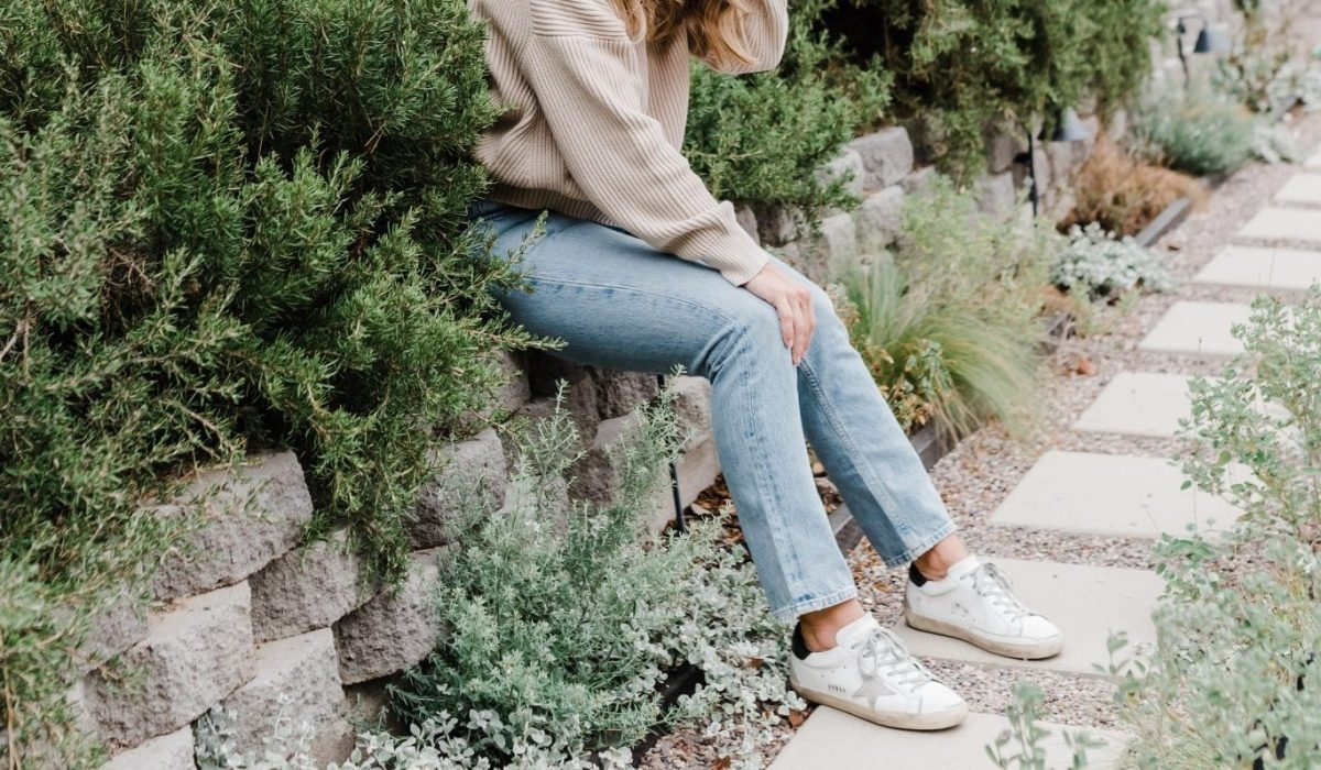 5 Ways to Style Golden Goose Sneakers | thoughtsbybrandi.com