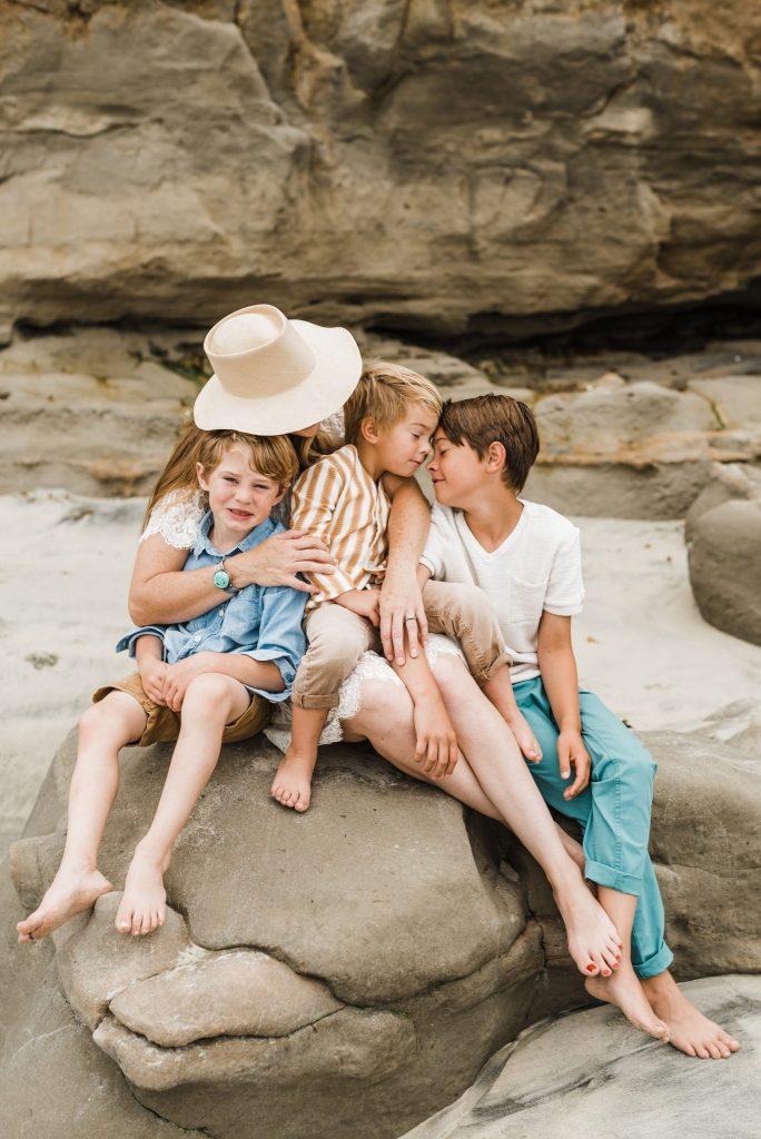 'L' FAMILY | A MOTHERHOOD SESSION | SAN DIEGO PHOTOGRAPHER