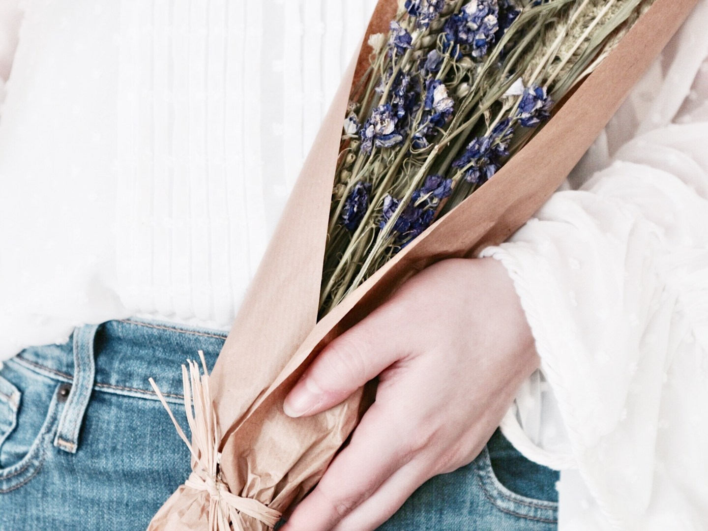 Denim For Days, Bringing Back The Scrunchie, Dried Flowers & More | Loves Lately