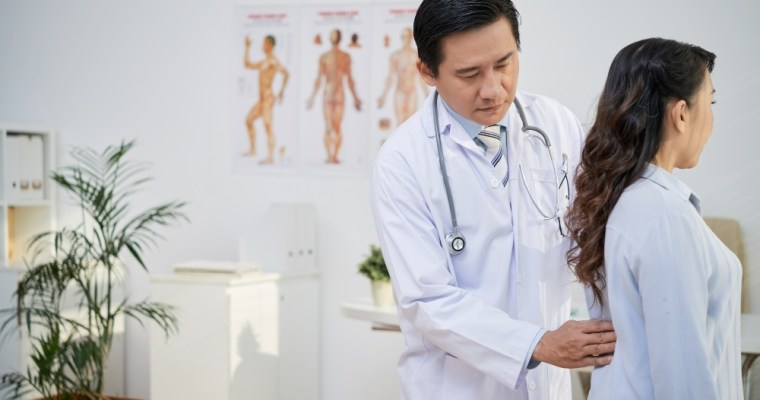 Suffering From Back Pain? How to Find a Good Chiropractor