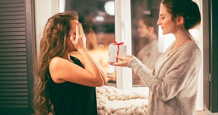 Celebrating Serenity: 8 Thoughtful Gifts to Give Your Stressed Out Friend