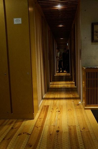 表邸2階廊下