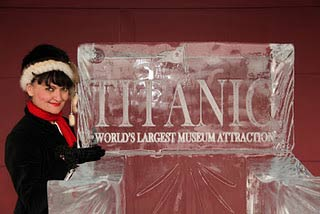 titanic-ice-carving