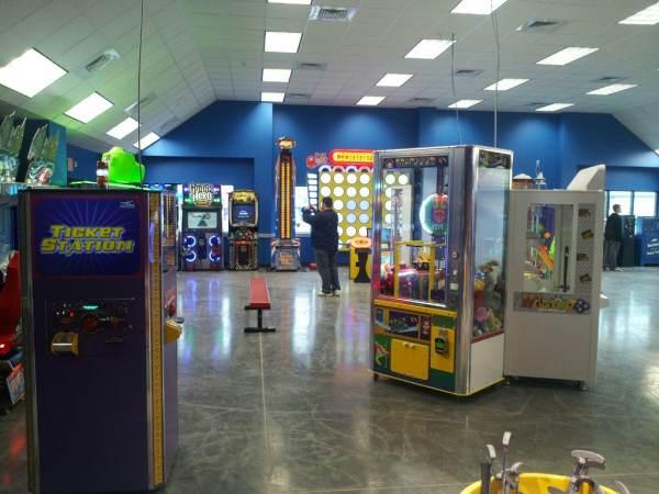 branson-arcade-at-the-track