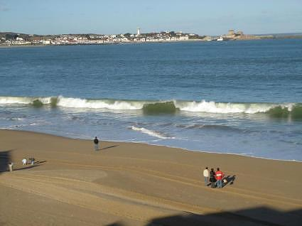St.Jean de Luz sand beach (in summer crowded with tourists)