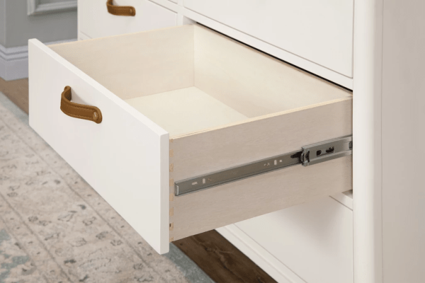 Full-extension drawers with soft-closing and ball-bearing drawer glides