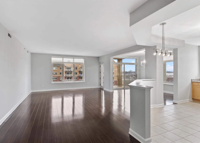 Virtual staging services for real estate photography - empty room before digital staging