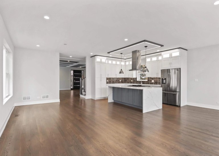 Virtual staging services for real estate photography - empty kitchen before the virtual staging