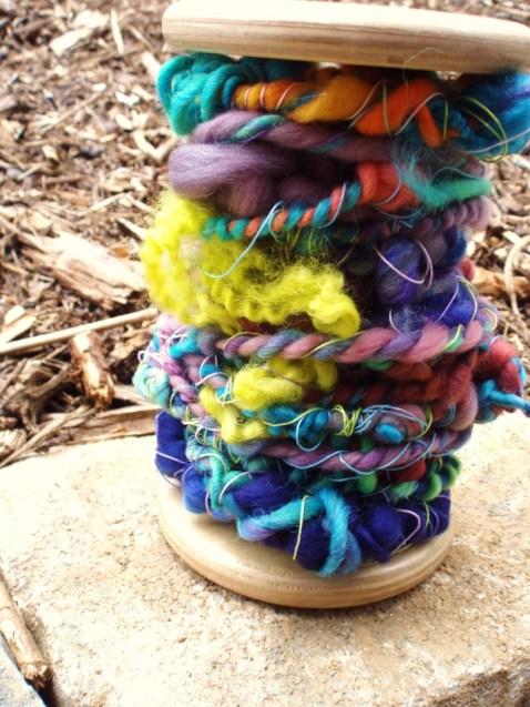 Multi-technique super bulky yarn
