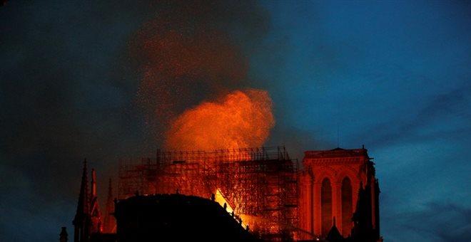 Εισαγγελέας: Πιθανό ατύχημα η πυρκαγιά στην Παναγία των Παρισίων