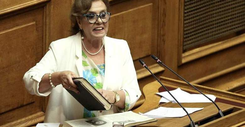 Παραιτήθηκε η Μεγαλοοικονόμου από την ΚΟ του ΣΥΡΙΖΑ