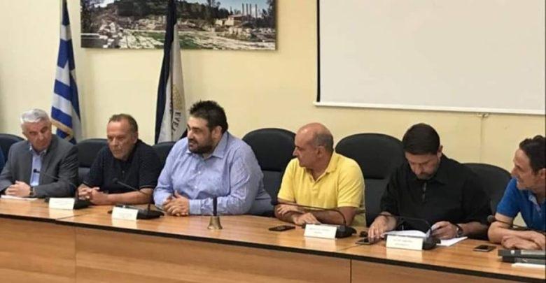 Σύσκεψη στην Ελευσίνα για τις συνέπειες του σεισμού των 5,1 Ρίχτερ