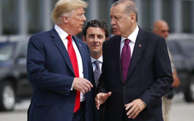 Συρία: Τερματισμό της εισβολής ζητά ο Τραμπ - Κυρώσεις σε Τούρκους υπουργούς