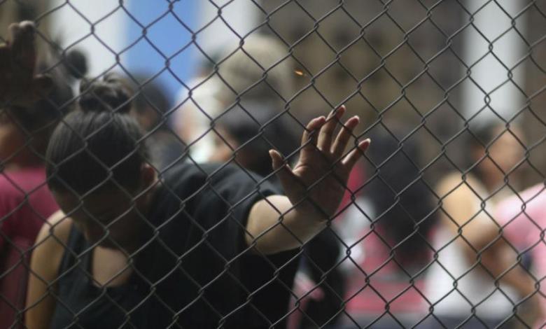 Ακυρώνεται η εσπευσμένη εκκένωση της προσφυγικής δομής της Ελευσίνας