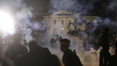 Photo of ΗΠΑ: Βία και δακρυγόνα στο Λευκό Οίκο – Φυγάδευσαν τον Τραμπ