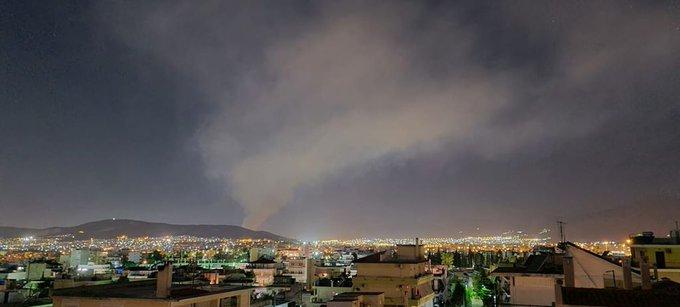 Έσβησε η φωτιά στον ΧΥΤΑ Φυλής, αποπνικτική η ατμόσφαιρα στην περιοχή