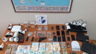 Εξαρθρώθηκε κύκλωμα διακίνησης ναρκωτικών στη Δυτική Αττική