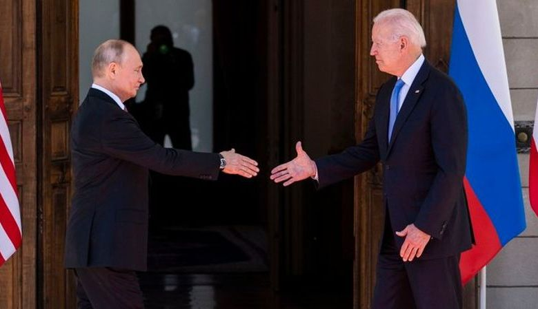 Συμφωνία για επιστροφή των πρεσβευτών σε Μόσχα και Ουάσινγκτον ανακοίνωσε ο Πούτιν