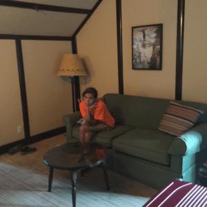 fairmont_montebello_indoors_room_ainsley