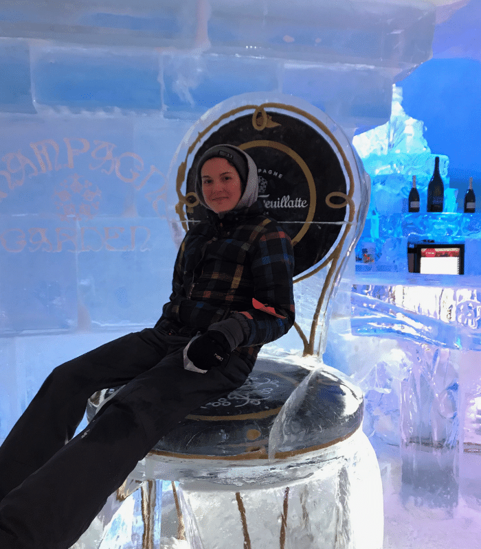 ice_chair_hotel_de_glace