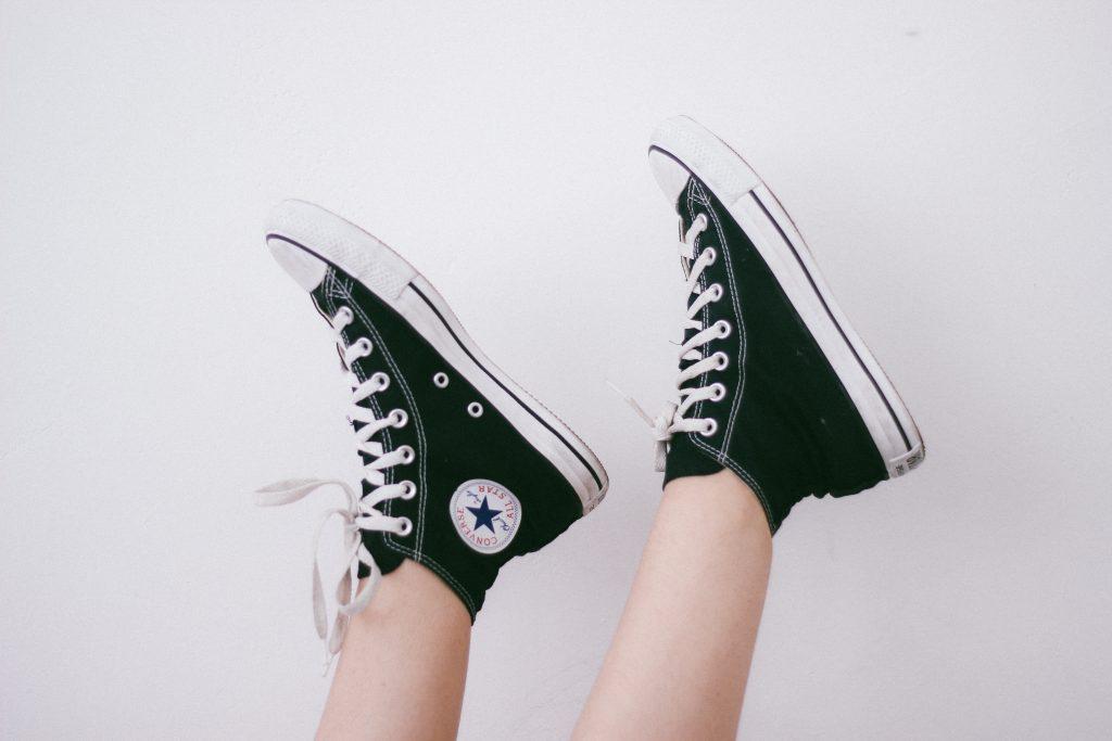 black_converse_shoes