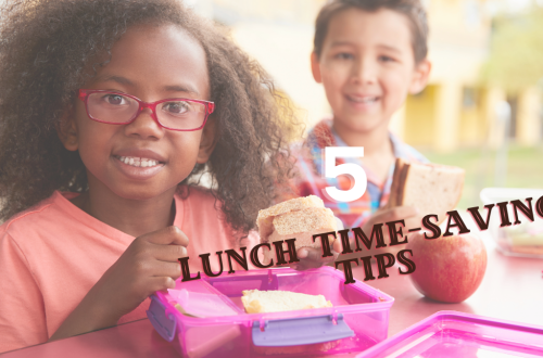 lunch time-saving tips kids eating lunch at school