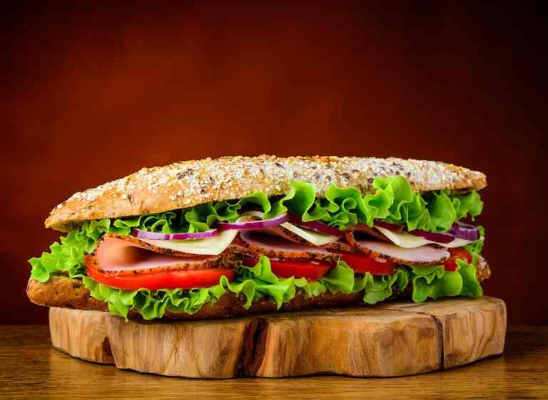 sandwich lettuce