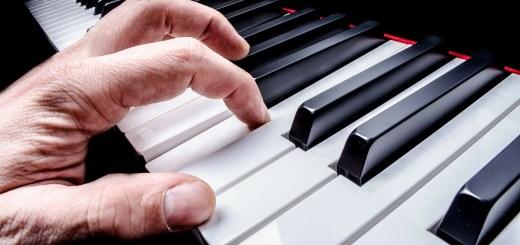 Throwcase piano playing