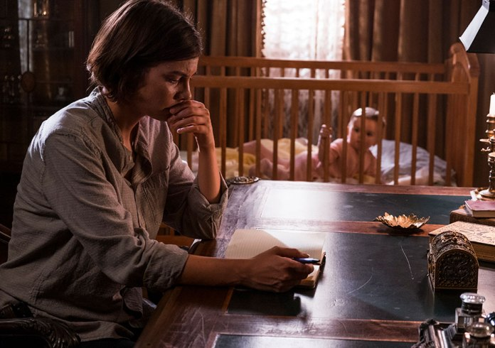 The Walking Dead Season 8 Maggie and baby