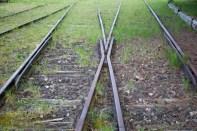 Alte Schienen am Bahnhof in Thüste